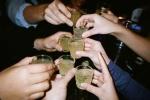 Cuối năm, liên tiếp chết vì ngộ độc rượu