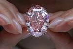 Cận cảnh viên kim cương hồng giá 1,6 nghìn tỷ đồng, đắt nhất thế giới
