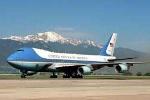 Máy bay của Boeing bị chê đắt, hãng Antonov ngay lập tức 'chào mời' ông Trump