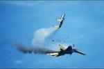 Hai máy bay Mỹ va đâm trên trời, 5 người thiệt mạng