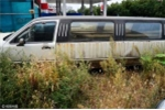 'Buốt ruột' xót siêu xe tiền tỷ nằm phơi nắng phơi mưa giữa cỏ hoang