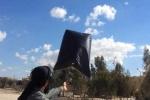 IS chế tạo 'bom bay' diệt phi cơ Mỹ từ túi ni lông