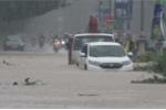 Miền Trung mưa to như trút, nhiều khu vực bị nhấn chìm