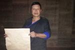 Giải mã tấm giấy trắng kết nối thế giới tâm linh của người Mông