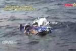 Video: Trục vớt các vật thể, mảnh vỡ của máy bay Casa-212 trên biển