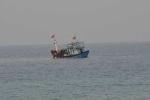 Giải cứu 10 ngư dân và tàu cá gặp nạn trên biển