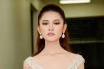 Á hậu Thuỳ Dung lần đầu làm vedette diễn thời trang