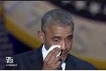 Clip: Tổng thống Obama rơi lệ cảm ơn vợ khi phát biểu chia tay Nhà Trắng