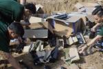 2 người Trung Quốc vận chuyển 13 thùng 'hàng nóng' vào Việt Nam