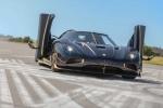 'Lóa mắt' trước siêu xe dát vàng Koenigsegg