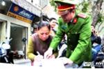 Hà Nội ra quân 'đòi lại' vỉa hè cho dân: Vứt rác bừa bãi bị phạt 7 triệu đồng