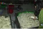 Clip: Bắt quả tang cơ sở sản xuất đậu khuôn pha thạch cao ở Huế
