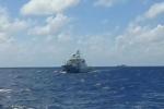 Video: Tàu chiến Trung Quốc mở bạt pháo, chĩa súng đe dọa tàu tiếp tế Trường Sa