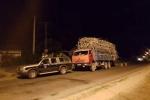 Bắt xe quá tải, thanh tra giao thông bị đe dọa 'tông chết luôn'