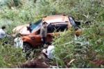 Xe ô tô lao xuống đèo Prenn, 3 người suýt mất mạng