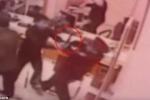 Cầm dao đi cướp ngân hàng bị bảo vệ già tay không hạ gục