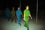 Sạt lở nhấn chìm 14 căn nhà ở An Giang: Trắng đêm bảo vệ dân
