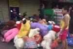 Cửa hàng gấu bông bốc cháy trước ngày Valentine