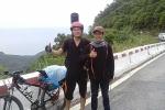 Chàng sinh viên báo chí đạp xe suốt 15 ngày vượt 1.000km 'báo' tin đỗ đại học với người cha đã mất