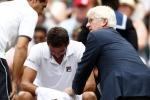 Video: Đối thủ của Federer khóc nức nở giữa trận chung kết Wimbledon