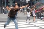 Ảnh: Xe 'điên' lao vào đám đông ở Quảng trường Thời đại, hàng chục người thương vong