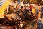 Lexus 'điên' đâm nát hàng loạt xe máy, nhiều người trọng thương