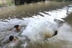 5 em nhỏ chết đuối thương tâm ở Bắc Giang