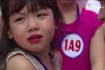 Ngày đầu tiên đi học, nhiều bé lớp 1 mếu máo đòi về