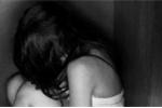 3 lần hiếp dâm con riêng, cha dượng lĩnh án 15 năm tù