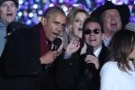 Tổng thống Obama hát Jingle Bell cực hay trong lễ Giáng sinh cuối cùng tại Nhà Trắng
