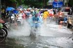 Hà Nội mưa rất to, nguy cơ ngập lụt trong nội thành
