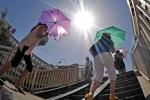 Bắc Bộ và Trung Bộ lại bước vào đợt nắng nóng oi bức 40 độ C