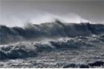 Áp thấp nhiệt đới ngoài Biển Đông đang mạnh lên