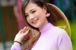 Hot girl Hà thành mặc áo dài tím khoe dáng chuẩn bên nhà thờ Đức Bà