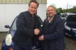 Thủ tướng Anh tặng vợ xe Nissan đời cũ giá 50 triệu đồng