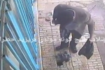 Ném tàn thuốc xuống cống, chàng trai bị nổ tung người