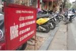 Video: Ngang nhiên 'cướp' vỉa hè phố cổ Hà Nội để kinh doanh