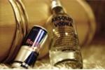 Uống rượu pha nước tăng lực tăng nguy cơ chấn thương