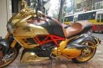 Siêu xe Ducati Diavel mạ vàng 'long lanh' dạo phố Hà Nội