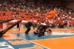 Sự cố hi hữu trong trận đấu bóng rổ