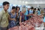 Dân Sài Gòn ồ ạt giải cứu thịt heo cho người chăn nuôi
