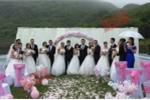 8 cặp đôi của một lớp đại học tổ chức đám cưới cùng ngày