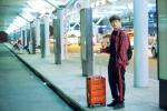 Ngô Kiến Huy lẻ bóng tại sân bay lên đường sang Nhật Bản