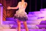 Con gái 12 tuổi của Chân Tử Đan xinh như hoa hậu trên sân khấu - 1