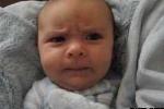 Clip: Em bé 6 tuần tuổi có đầy đủ mọi cung bậc cảm xúc