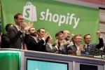 Thưởng 1 triệu USD tiền ảo cho nhân viên mua sắm thỏa thích trên mạng
