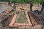 Mộ vợ vua Tự Đức bị san phẳng làm bãi đậu xe: Căng lưới B40, dựng lều sắt bảo vệ