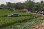 Hinh anh O to mat lai dam 2 xe dap dien, 3 hoc sinh chet tham: Chu tich tinh Bac Ninh chi dao khan
