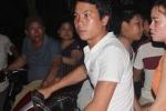 Người dân tiếc thương chờ đón thi thể phi công Trần Quang Khải