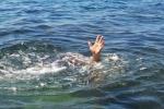 Tắm biển, 2 học sinh chết đuối thương tâm